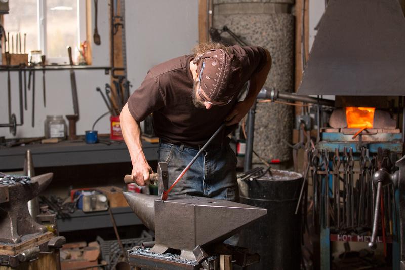 Dan Russell in Shop-4035