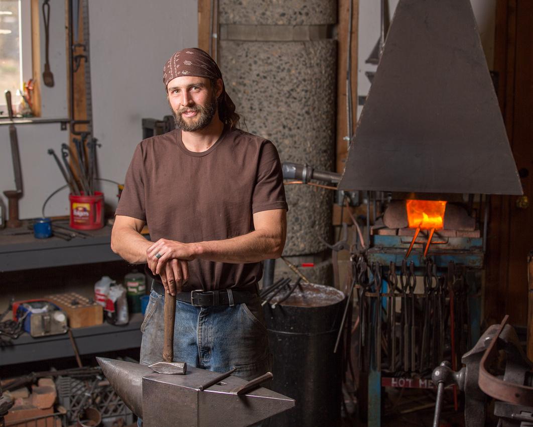 Dan Russell in Shop-4062