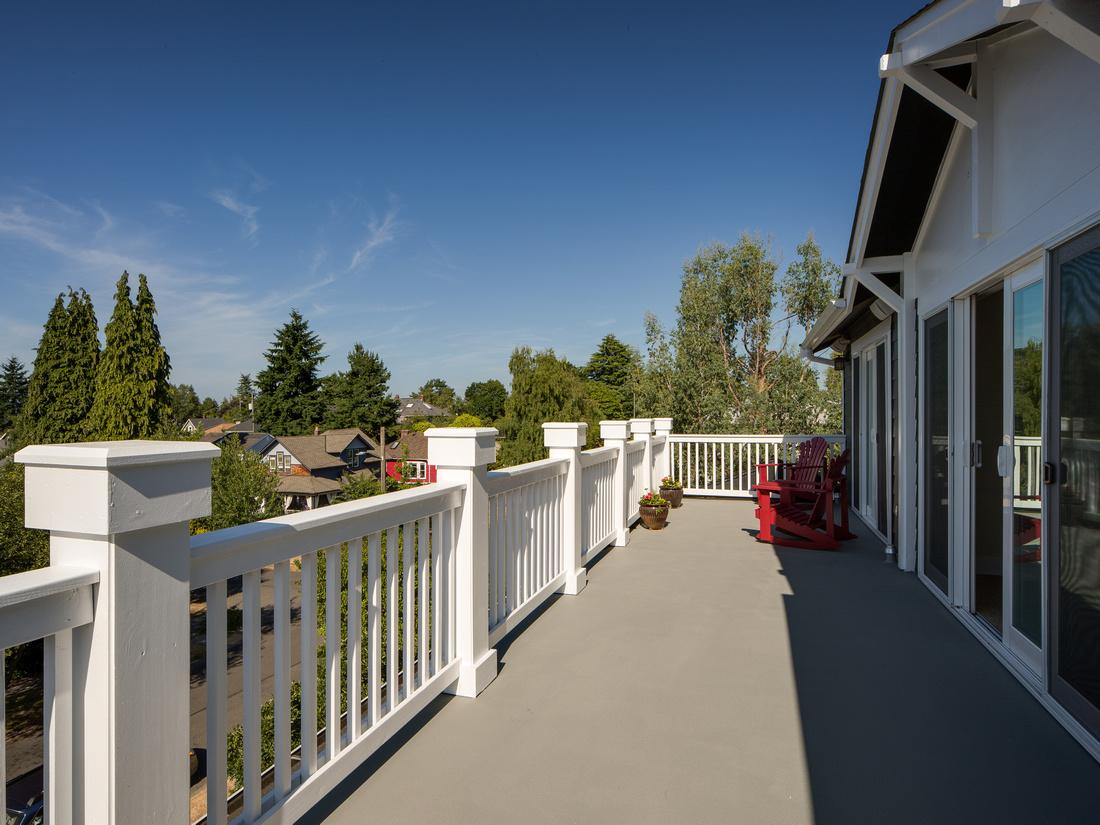 Queen Anne Home- Deck