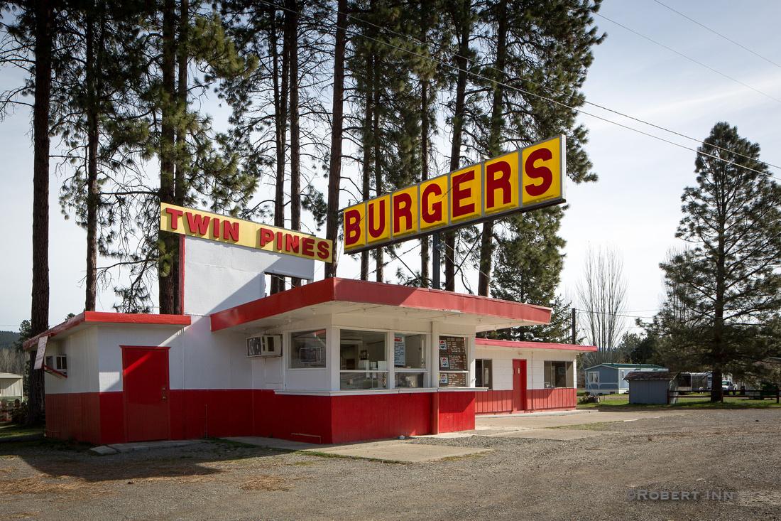 Twin Pine Burgers